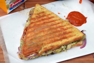 Three Layered Cheese Grilled Sandwich Recipe
