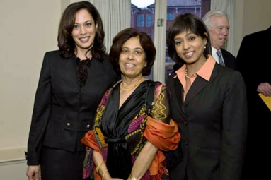 """My Mom Was Superhero"", Says Kamala Harris in Her Book"